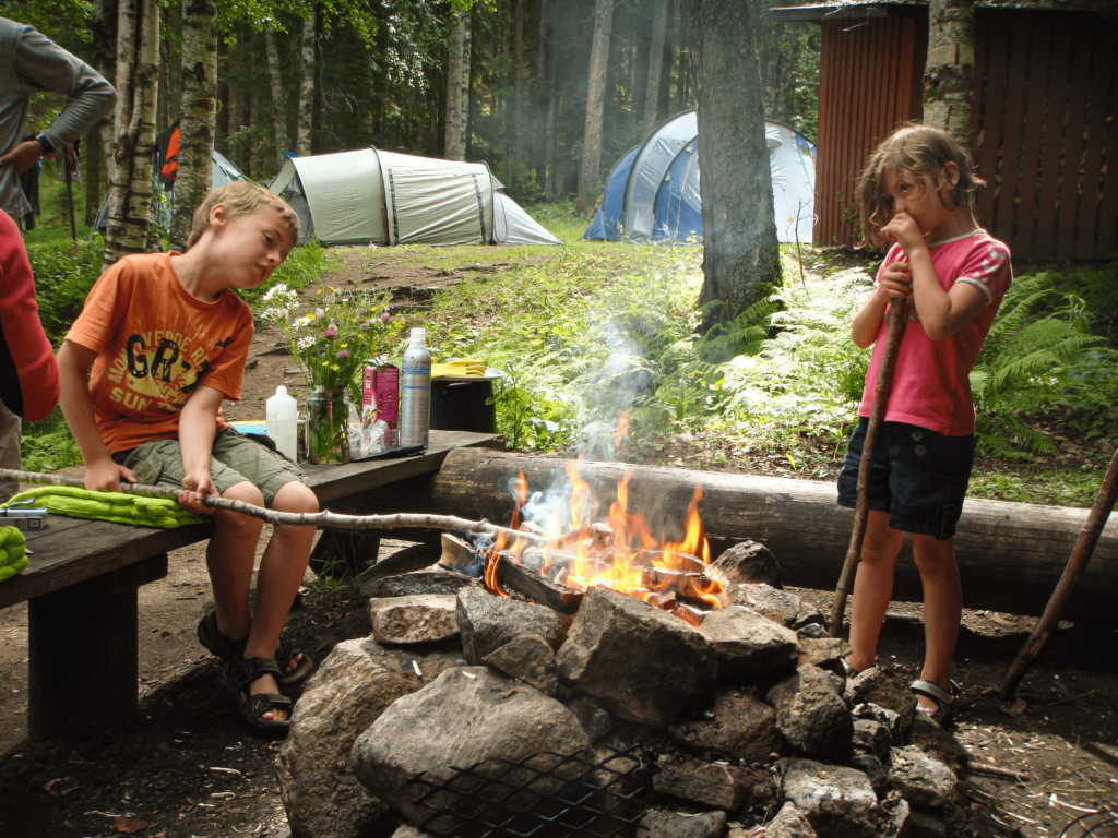 camping vid elden